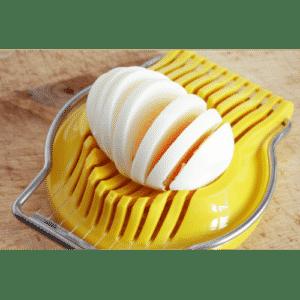 Eggs slicer